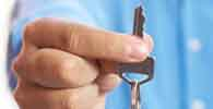 Construtora deve indenizar por cobrança indevida de corretagem