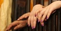 Presa consegue direito à prisão domiciliar para cuidar de filho pequeno