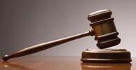 Suspensa multa imposta a advogado por ausência em audiência