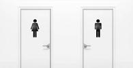 Transexual impedida de usar banheiro feminino será indenizada